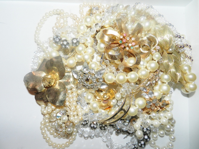 Stuff for sale creat your own vintage costume jewelry for Antique jewelry worth money