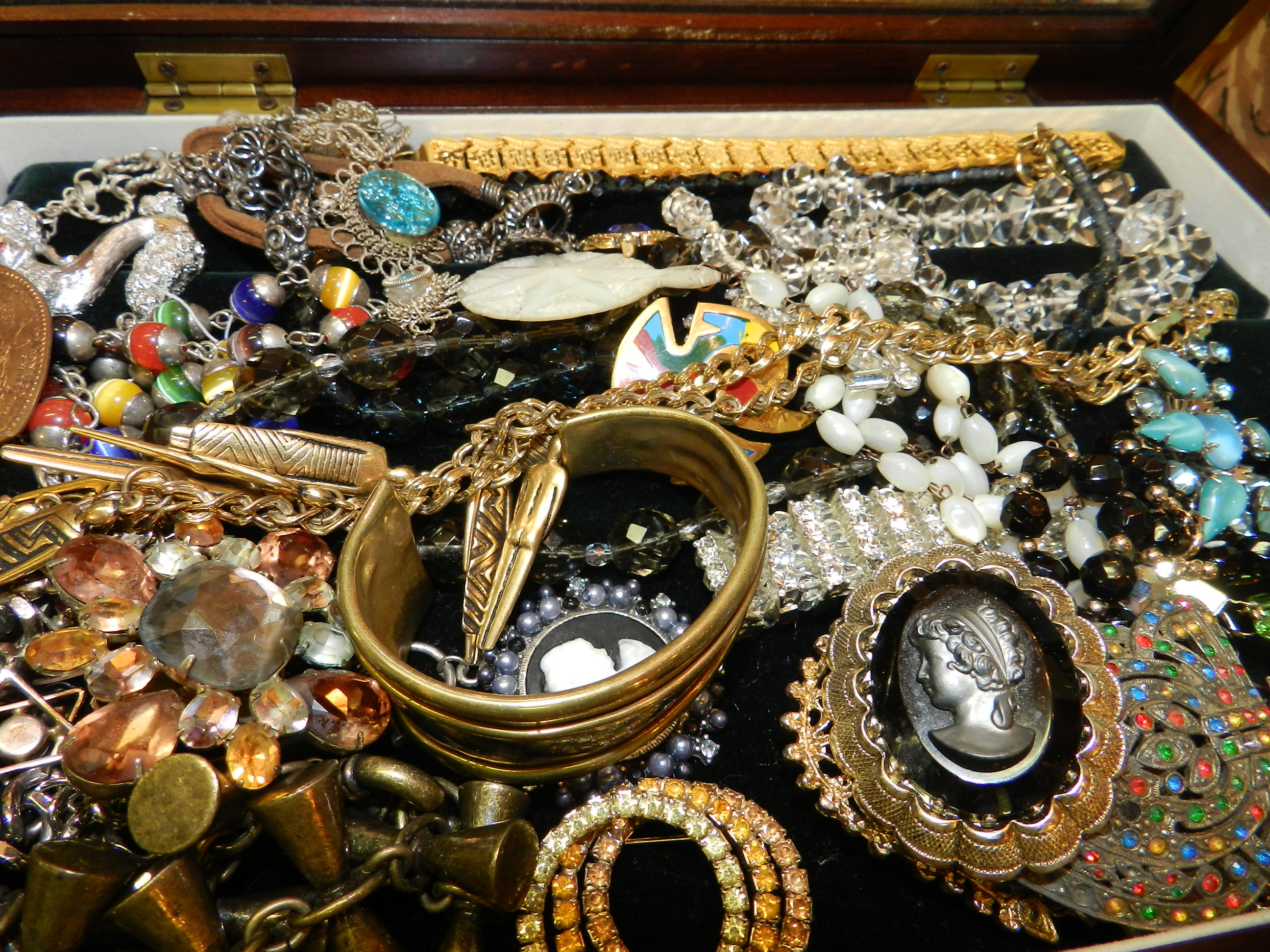 Stuff for sale always buying jewelry vintage antique any for Antique jewelry worth money